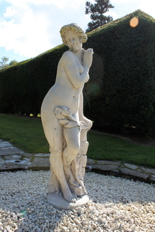 lady-statue