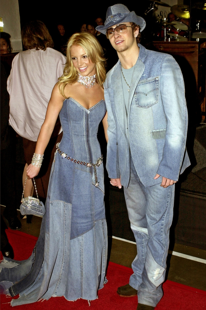 Britney Spears and Justin Timberlake wearing full denim outfits at the 2001 American music awards